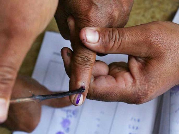 assembly by election 2021voting 10 states13 assemblytwo Lok Sabha three seatsRajasthan huge crowd of people | विधानसभा उपचुनावः 10 राज्य, 13 विधानसभा और दो लोकसभा सीट पर मतदान जारी,राजस्थान में तीन सीटों पर पड़ रहे वोट, भारी भीड़