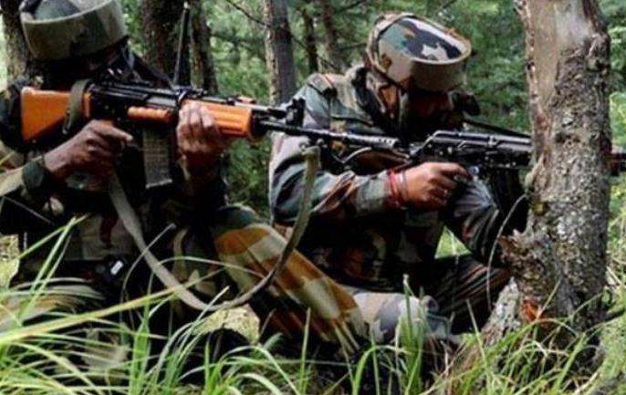 Jammu Kashmir: Three Jaish e Mohammed terrorists killed in encounter in Kashmir's Tral area | जम्मू-कश्मीरः त्राल में सुरक्षाबलों को बड़ी कामयाबी, मुठभेड़ में मारे गये जैश के 3 आतंकी