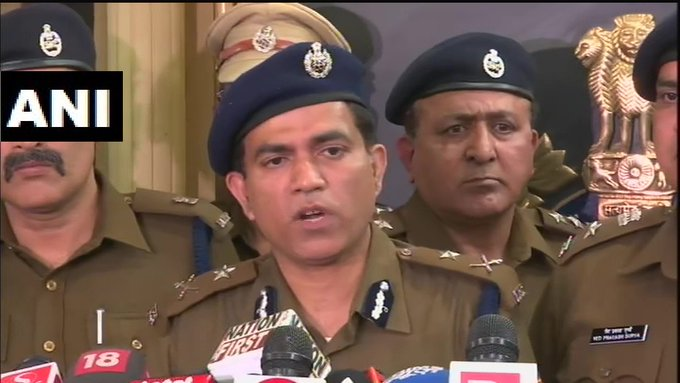Delhi: Police has arrested one person, in connection with 5 people of a family found dead in Bhajanpura | भजनपुरा हत्याकांडः 30 हजार के लिए भाई ने भाई केपरिवार को किया खत्म, जो सामने आयालोहे की रॉड औरधारदार हथियार से मार डाला