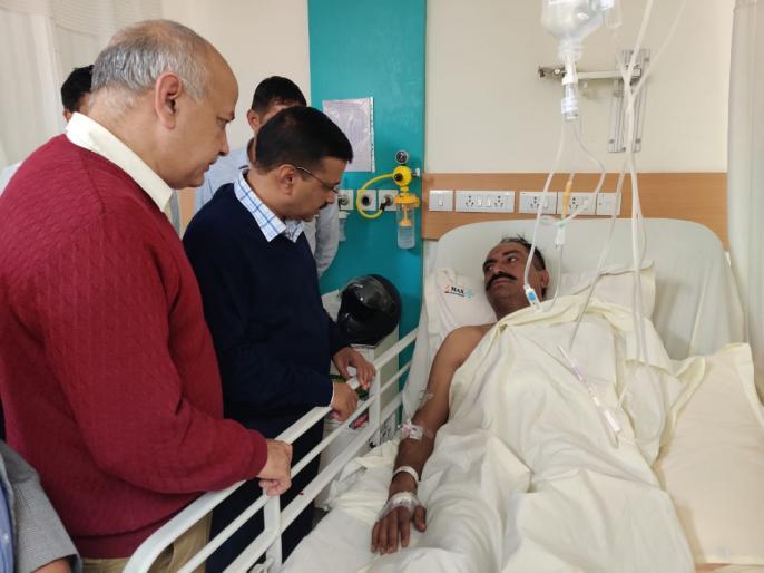 Manish Sisodia's accusation on Delhi violence- 'barricades have entered the city' | दिल्ली हिंसा पर मनीष सिसोदिया का आरोप- 'शहर में दरिंदे घुस आए हैं'