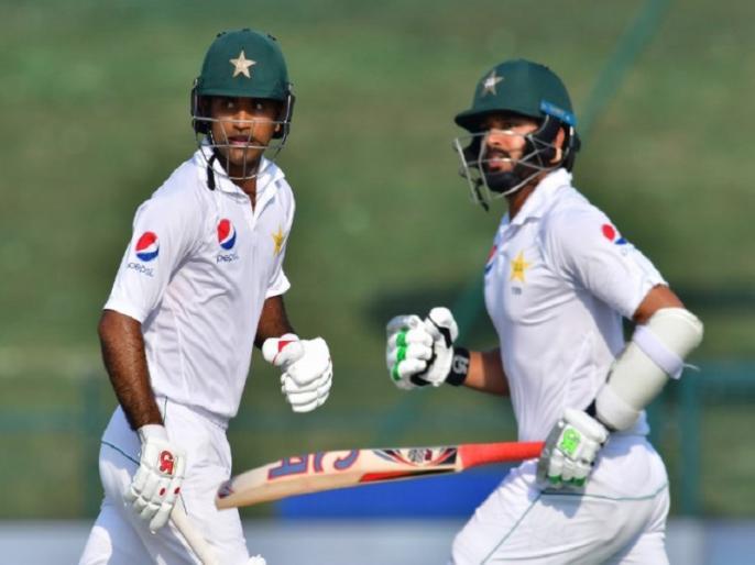 pakistan in control vs australia 2nd test abu dhabi day 2 report pak lead increase by 281 runs | PAK Vs AUS: अब्बास के 'पंच' के बाद फखर जमान और अजहर अली के अर्धशतक से ऑस्ट्रेलिया मुसीबत में