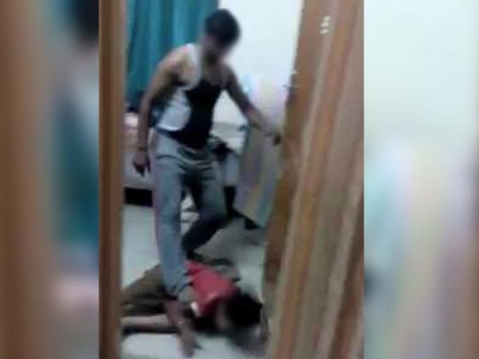 Story Father Beats Child Brutally Watch Video   पिता