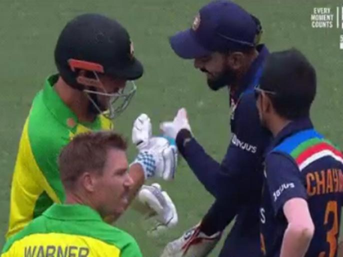 Australia vs India 2nd ODI KL Rahul shares a light moment with Aaron Finch after he gets hit on stomach   VIDEO: एरोन फिंच को लगी सैनी की 145 kph की गेंद, फिर केएल राहुल ने जाकर ऑस्ट्रेलियाई कप्तान का पूछा हाल