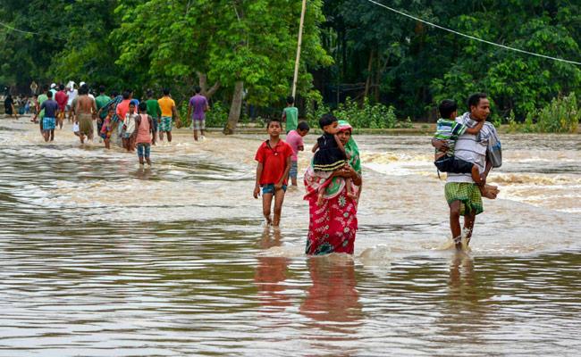 10 deaths due to heavy rains in northeast, 8.5 lakh affected by flood in Assam | पूर्वोत्तर में भारी बारिश से 10 लोगों की मौत, असम में बाढ़ से 8.5 लाख प्रभावित