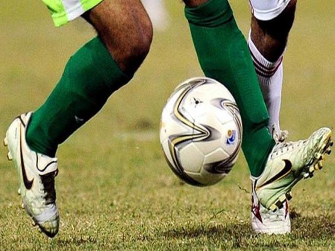 Mohun Bagan fined Rs 3 lakh asked to clear dues to 4 ex-players and former coach Jamil | फुटबॉल क्लब मोहन बागान पर लगा तीन लाख रुपये का जुर्माना, 4 पूर्व खिलाड़ियों को वेतन नहीं देने का आरोप
