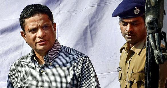 Sharda chit fund: CBI again sent summons to Rajiv Kumar, called for questioning at 11 am tomorrow | शारदा चिटफंड: राजीव कुमार को CBI ने फिर भेजा समन, कल 11 बजे पूछताछ के लिए बुलाया