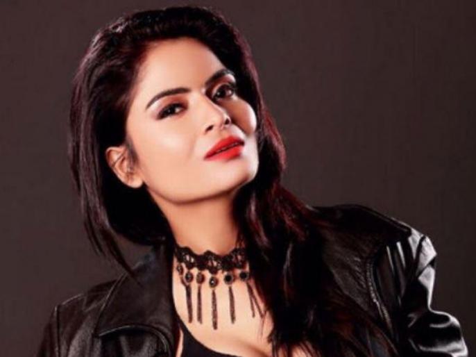 alt balaji gandi baat actress gehana vasisth condition is very critical   'गंदी बात' एक्ट्रेस है वेंटिलेटर पर, 48 घंटे लगातार काम कर हो गई थीं बेहोश