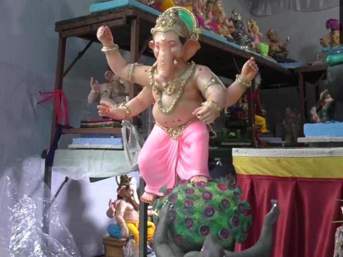 Surat-based idol maker has made a Coronavirus killer Ganesha idol, ahead of Ganesh Chaturthi celebrations | सूरत: मूर्ति बनाने वाले ने बनाई कोरोना वायरस किलर गणेश की मूर्ति, बताया इसके पीछे ये है बड़ा कारण