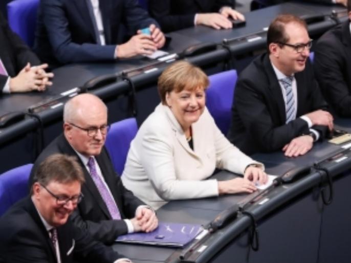 Germany: Angela Markel sworn in for forth term as chanceller | एंजेला मार्केल चौथी बार जर्मन चांसलर चुनी गईं