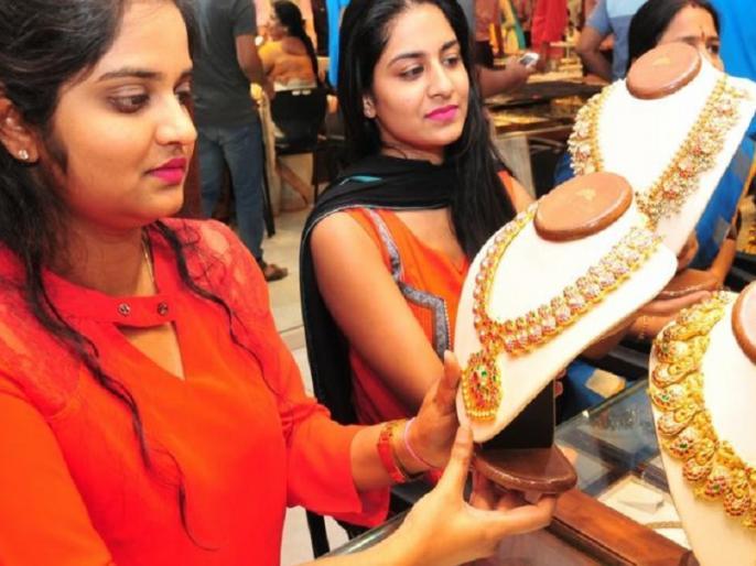 Gold and Silver price today 3 july 2020 in india includeinh delhi, mumbai chennai | Gold and Silver rate: सोने-चांदी के दाम में गिरावट, जानिए दिल्ली समेत दूसरे शहरों में आज क्या है रेट