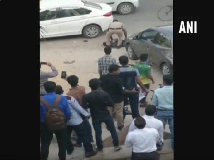 Gurugram's Sector-49 Wife and son of an additional sessionsjudge shot at by the judge's gunman | गुरुग्राम: सरकारी गनर ने जज की पत्नी और बेटे को सरेआम मारी गोली, आरोपी गिरफ्तार