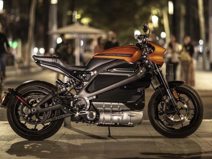Harley Davidson LiveWire Electric Bike To Be Unveiled This Month In India | हार्ले डेविडसन की पहली ई-बाइक से उठेगा पर्दा, 3 सेकंड में पकड़ लेती है 100 की स्पीड, जानें कीमत और खासियत