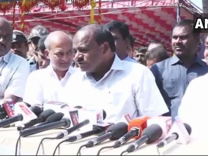 Karnataka: Three Congress MLAs in touch with BJP, Kumarsaswami government in crisis? | कर्नाटकः बीजेपी से संपर्क में कांग्रेस के तीन विधायक, संकट में कुमारस्वामी सरकार?