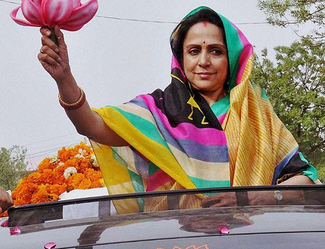 LS polls 2019: Hema Malini Says Visited Mathura 250 Times, dismissed as rubbish Who talk about outsider | मथुरा को लेकर लगे सारे आरोपों को हेमा मालिनी ने किया खारिज, कहा- '250 बार बार गई हूं वहां, कृष्ण की गोपी हूं'