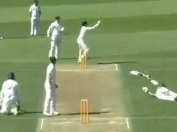 A Hilarious Run Out Witnesses In New Zealand, video goes viral | न्यूजीलैंड में दिखा 'मजेदार रन आउट' का नजारा, दोनों बल्लेबाज क्रीज के बाहर फिसले, एक हुआ रन आउट, देखें वीडियो