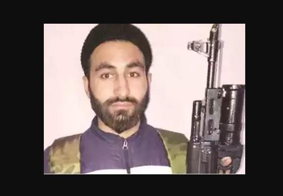 Jammu and kashmir hizbul AMU ex P.hd student mujahideen militant manan wani killed by security forces   J&K: सेना ने हिज्बुल मुजाहिदीन के कमांडर को मार गिराया, अलीगढ़ मुस्लिम यूनिवर्सिटी छोड़ ऐसे बना था आतंकी