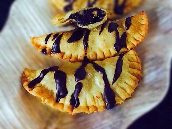 Holi 2019: step by step recipe to make suji mawa gujiya, chocolate gujiya, sugar free gujiya in hindi | 20 मिनट में ऐसे बनाएं चॉकलेटी और मावे की शुगर फ्री गुजिया, स्वाद ऐसा कि मेहमान हो जाएंगे दीवाने