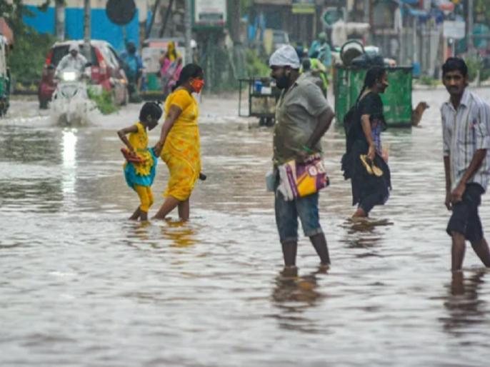 31 people killed in rain-related incidents in Telangana, Andhra Pradesh, Maharashtra, damage in Karnataka | Hyderabad Rains: तेलंगाना समेत आंध्र प्रदेश, महाराष्ट्र में बारिश से जुड़े हादसों में 31 लोगों की मौत, आज भी अलर्ट