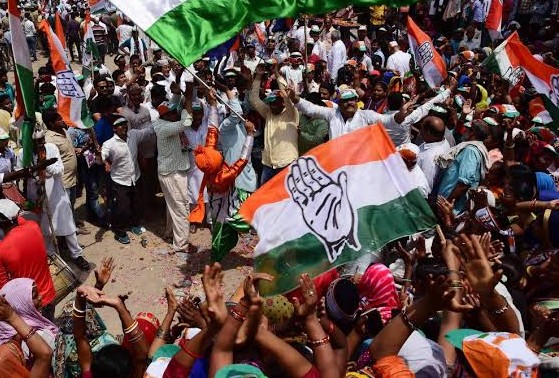 #KarnatakaBypolls | Congress wins Hunasuru seat. H P Manjunath defeats BJP candidate Adagooru H Vishwanath by 39,727 votes. | karnataka Bypoll Result:हुनासुरु सीट पर कांग्रेस उम्मीदवार एच पी मंजुनाथ जीते, BJP प्रत्याशी को 39,727 वोटों से हराया