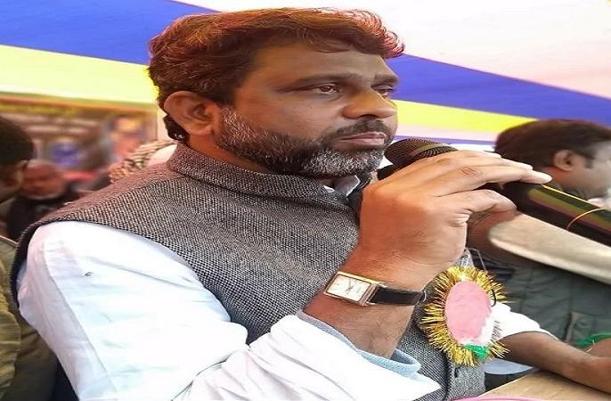 Bihar Legislative AssemblyAIMIM MLA Akhtarul Iman Hindustan patna oath ceremony india | बिहार विधानसभाः AIMIM विधायक अख्तरुल ईमान ने जताई आपत्ति, हिन्दुस्तान की जगह भारत के नाम पर लिया शपथ