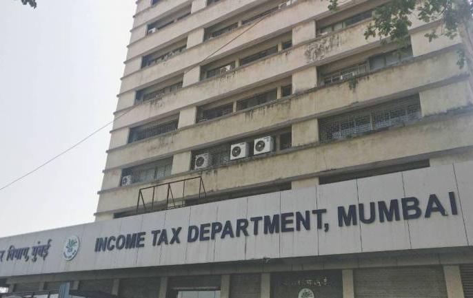 BVG, a Pune-based 'house keeping' company, raids, Rs 180 crore unannounced recovered | पुणे की एक 'हाउस कीपिंग' कंपनी बीवीजी पर छापा,180 करोड़ रुपये की अघोषित संपत्ति बरामद