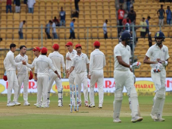 india vs afghanistan only test 1st day match report murali vijay dhawan hits century | IND Vs AFG Test: पहले दिन छाए धवन और मुरली विजय, राशिद की फिरकी नहीं कर सकी कोई कमाल
