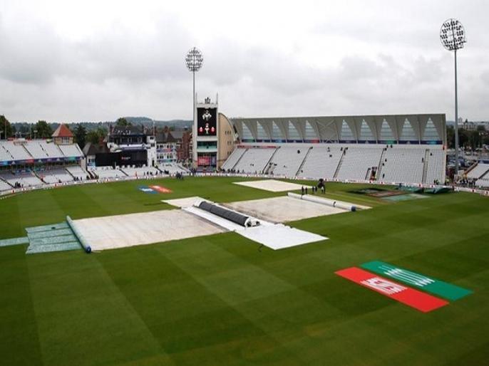 ICC World Cup 2019, India-New Zealand washout: England lack of preparation to handle rain is under scanner | IND vs NZ मैच बारिश में धुलने के बाद उठे इंग्लैंड की तैयारियों पर सवाल, इस 'गलती' की वजह से नहीं हो सका मैच!