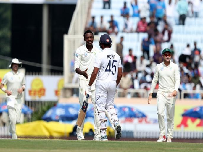 India vs South Africa, 3rd Test: Day 2: Play stopped due to bad light - South Africa trail by 488 runs | IND vs SA, 3rd Test: खराब रोशनी के चलते रुका खेल, दूसरे दिन की समाप्ति तक साउथ अफ्रीका- 9/2