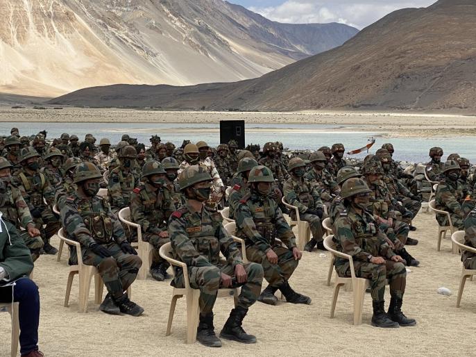 India snd China Fired 100 to 200 shots at Pangong before External Affairs minister meet   मॉस्को में विदेश मंत्रियों की मुलाकात से पहले भारत-चीन सैनिकों के बीच पैंगोग में हुई थी 100-200 राउंड की फायरिंग