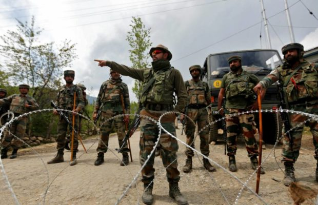 Indian Army denies Pakistan claims of 5 Indian soldiers dead in ceasefire violations along LoC | पाकिस्तानी सेना ने कहा- भारत के पांच जवान मारे, तीन पाक सैनिकों की शहादत, इंडियन आर्मी ने दावे को बताया 'मनगढ़ंत'