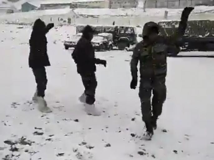 Indian Army soldiers Garba in Siachen video goes viral minister Jitendra Singh share video | सेना के जवानों ने जमा देने वाली ठंड में किया गरबा, मोदी के मंत्री ने वीडियो शेयर कर कहा- 'कुछ बात है कि हस्ती मिटती नहीं हमारी'