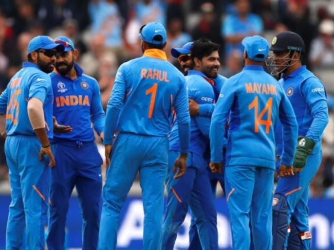 ICC World Cup 2019: Senior Indian Cricketer Under Scanner, as His wife stayed with him more than permissible period | टीम इंडिया का 'सीनियर क्रिकेटर' सवालों के घेरे में, पत्नी पूरे वर्ल्ड कप के दौरान रही साथ, टूटा नियम