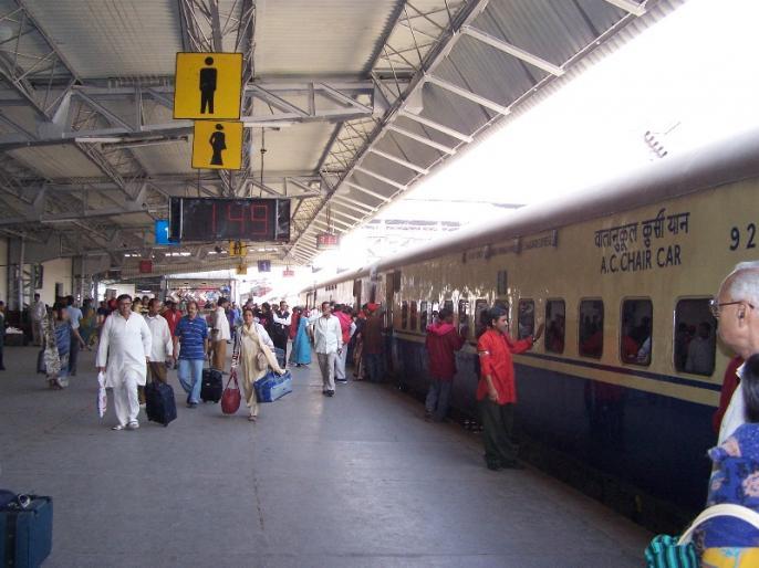 Railways scraps thermal cameras tender after firms allege advantage China | भारत ने एक और चीनी कंपनी को दिया झटका, भारतीय रेलवे ने थर्मल कैमरों के लिए टेंडर किया रद्द
