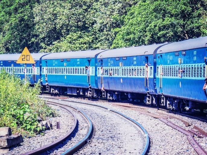 Railways benefited this Diwali, Railways earned 49 lakh rupees from 1.22 lakh passengers through reserved tickets | महाराष्ट्रः इस दिवाली अकोला स्टेशन को हुई बंपर कमाई, महज 10 दिनों में बुक हुए 1.22 लाख टिकट