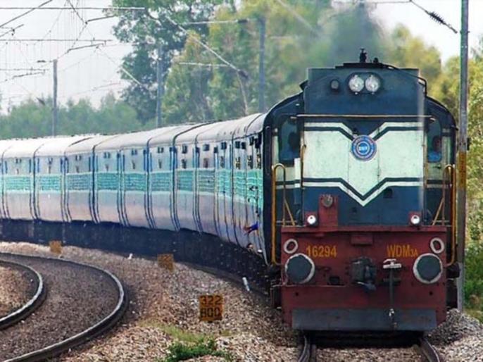 Coronavirus: Gujarat wants train, Maharashtra demands local for Mumbai | कोरोना संकटः गुजरात चाहता है ट्रेन, महाराष्ट्र ने की मुंबई के लिए लोकल की मांग, मजदूरों की समस्याओं से जूझने लगे राज्य