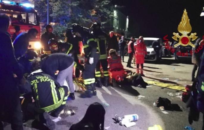 Italy's nightclub stampede, 6 people including five minors died   इटली के नाइट क्लब में पेपर स्प्रे की दुर्गंध से मचीभगदड़, पांच नाबालिग समेत6 लोगों की मौत