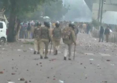 Number of people who died in Delhi violence increased to 24, around 200 people admitted to hospital | दिल्ली हिंसा में मरने वाले लोगों की संख्या बढ़कर हुई 24, करीब 200 लोग अस्पलाल में भर्ती