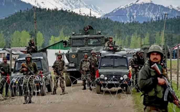 Article 370: Kashmir closed for the 12th consecutive day, restrictions on movement of people relaxed | Article 370: कश्मीर लगातार 12वें दिन बंद, लोगों की आवाजाही पर पाबंदियों में ढील