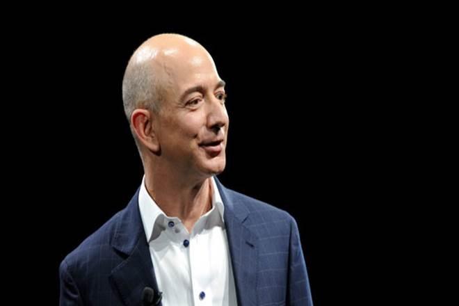 jeff bezos reclaim world richest title from Elon Musk   अब एलन मस्क नहीं रहे दुनिया के सबसे धनवान शख्स, इस बिजनेसमैन ने छोड़ा पीछे
