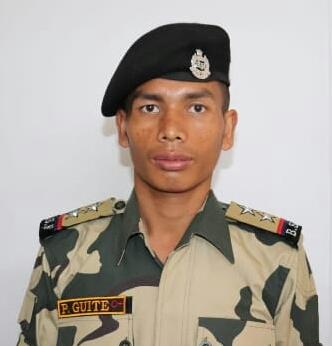 Pakistan breaks ceasefire RajouriBSF officer martyred by sniper firing on LoCjammu kashmir | राजौरी मेंपाकिस्तान ने सीजफायर तोड़ा,एलओसी पर स्नाइपर गोलीबारी से बीएसएफ अफसर शहीद