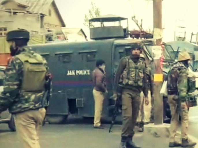 3 terrorists and 1 police personnel killed during encounter between security forces & terrorists Srinagar | जम्मू-कश्मीर: श्रीनगर में सेना और आतंकियों के बीच चल रही मुठभेड़ में 3 आतंकी ढेर, एक जवान शहीद