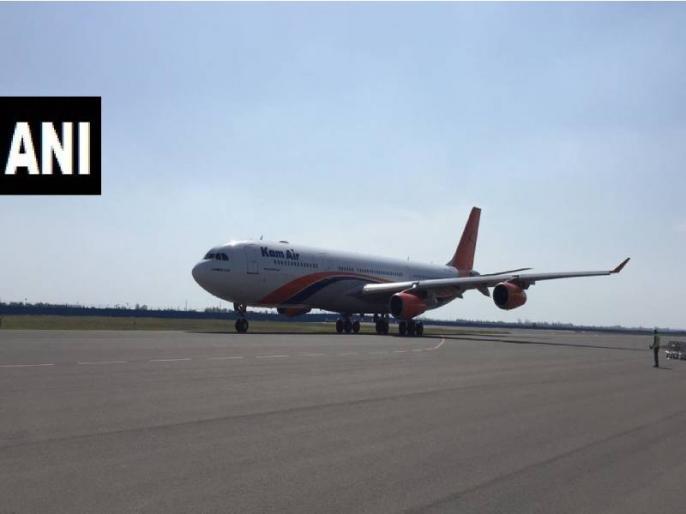 A Kam Air flight from Kabul landed at Delhi airport with 35 Indians onboard | Coronavirus Lockdown के बीच 35 भारतीयों को दिल्ली लेकर पहुंची अफगानी फ्लाइट Kam Air
