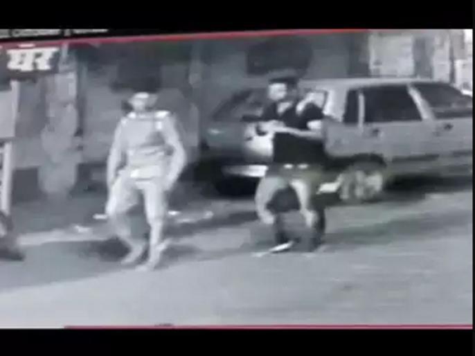 kamlesh tiwari murder case Accused Ashfaq, Moinuddin spotted in Shahjahanpur cctv video | कमलेश तिवारी हत्याकांड में 'शाहजहांपुर एंगल', आरोपी इसी इलाके में हैं छिपे, सामने आया सीसीटीवी वीडियो