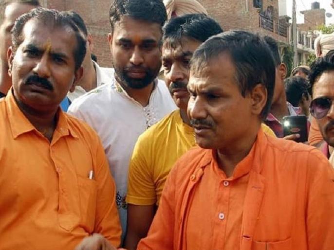 Hindu Mahasabha kamlesh tiwari murder he did controversial comment on muslim Muhammad Lucknow | पैगंबर मुहम्मद के खिलाफ विवादित बयान देकर चर्चा में आए थे कमलेश तिवारी, इस तरह सरेआम लखनऊ में की गई हत्या