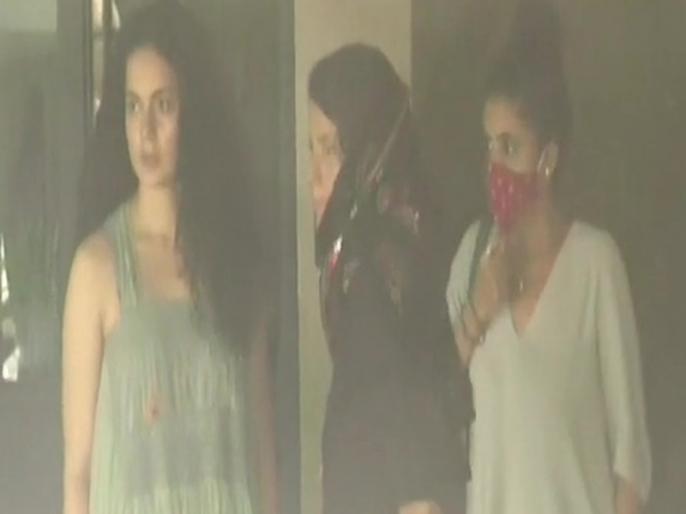 Kangana Ranaut vs Shiv Sena she arrives at her office in Mumbai today tweet viral | मलबा लांघकर ऑफिस के अंदर पहुंचीं कंगना रनौत, बर्बादी का मंजर देख हुईं इमोशनल, लिखा- हर हर महादेव