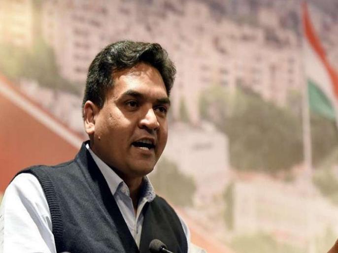 Kapil Mishra claims Priyanka Gandhi sent a list of bus numbers, auto rickshaw-mini car numbers | कपिल मिश्रा का दावा- 'प्रियंका गांधी ने जो बसों के नंबरों की लिस्ट भेजी वो ऑटो रिक्शा-मिनी कार के नंबर निकले'