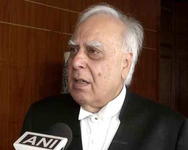 Indian Union Muslim League have filed a writ petition against Citizenship Amendment Bill 2019 in Supreme Court | नागरिकता संशोधन विधेयक: सुप्रीम कोर्ट में इंडियन यूनियन मुस्लिम लीग ने दायर की रिट याचिका, कपिल सिब्बल लड़ेंगे केस