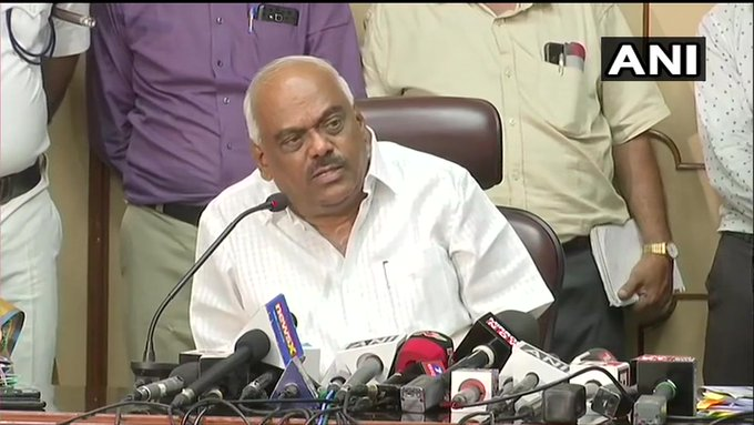 Karnataka: rebel legislator resigned again and will leave Mumbai, Assembly Speaker will take decision tomorrow | कर्नाटकः दोबारा इस्तीफे सौंपने के बाद बागी विधायक मुंबई वापस लौटे, विधानसभा अध्यक्ष रात भर करेंगे जांच