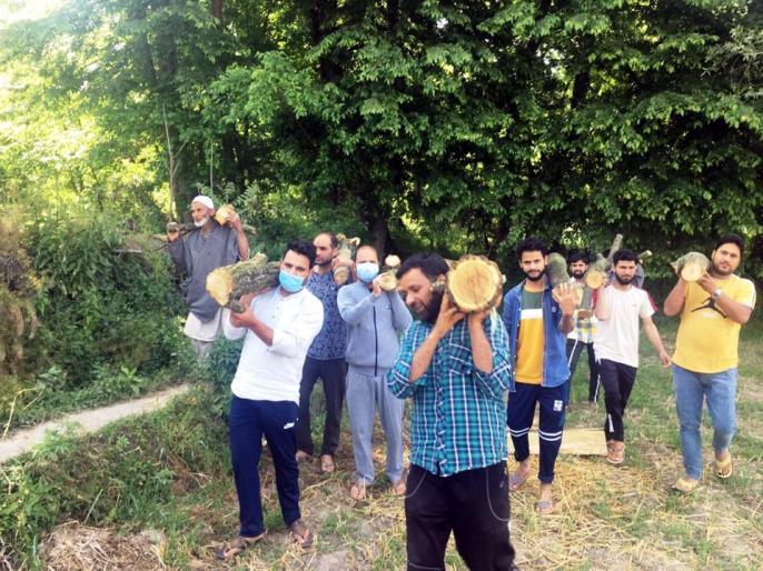 Jammu Kashmir Ki Taja Khabar: Kashmiriyat still alive, Kashmiri Muslims cremated Kashmiri Pandit   Jammu Kashmir Ki Taja Khabar: कश्मीरियत अभी जिंदा है, कश्मीरी मुस्लिमों ने किया कश्मीरी पंडित का अंतिम संस्कार