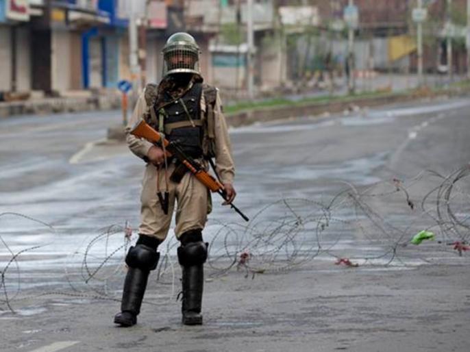 jammu kashmir encounter underway between security forces terrorists in manzgam of kulgam 2 terrorists killed | जम्मू-कश्मीर: सेना को मिली बड़ी सफलता, कुलगाम में दो आतंकी ढेर, मुठभेड़ जारी